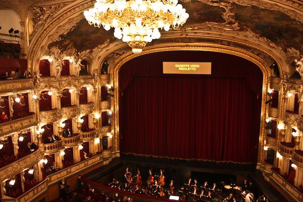 National teater
